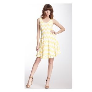 Revolve vava joy han wave print yellow neon XS